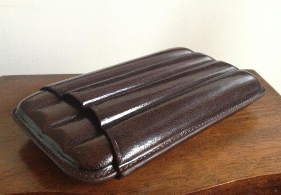 cigar finger leather case