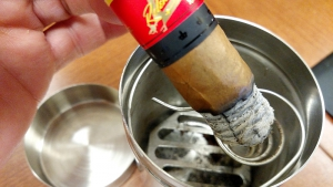 cigar smoking tips gary_cigarhack-4