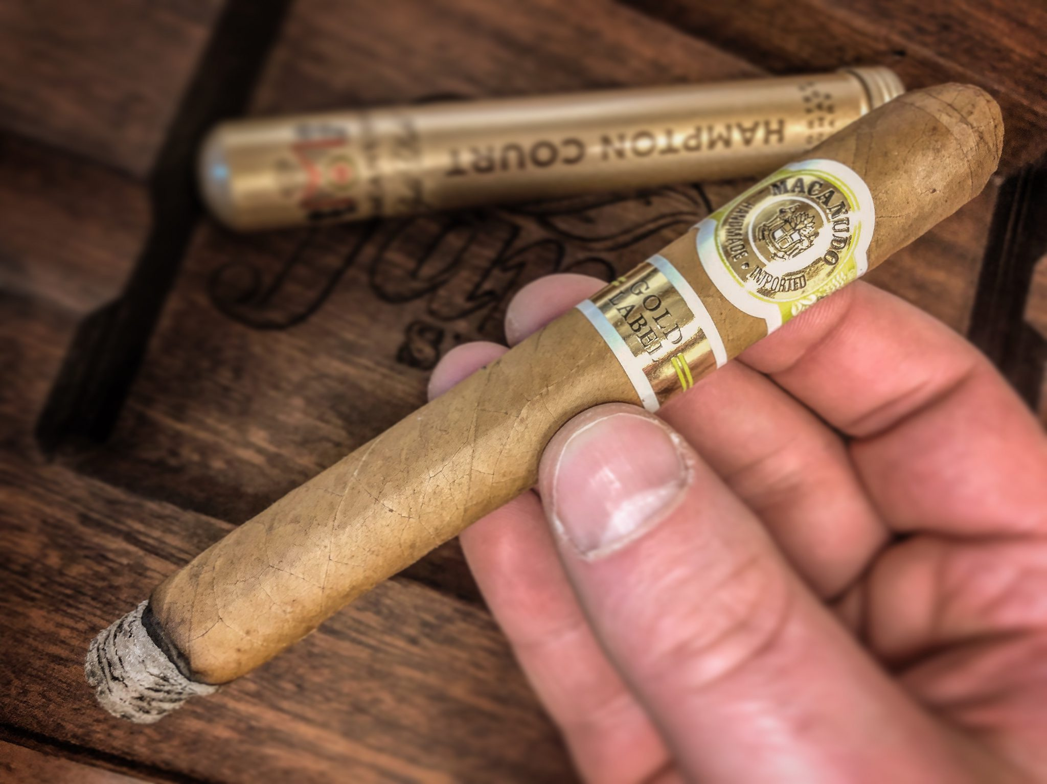 Macanudo cigars guide Macanudo Gold Label Hampton Court cigar review by Jared Gulick