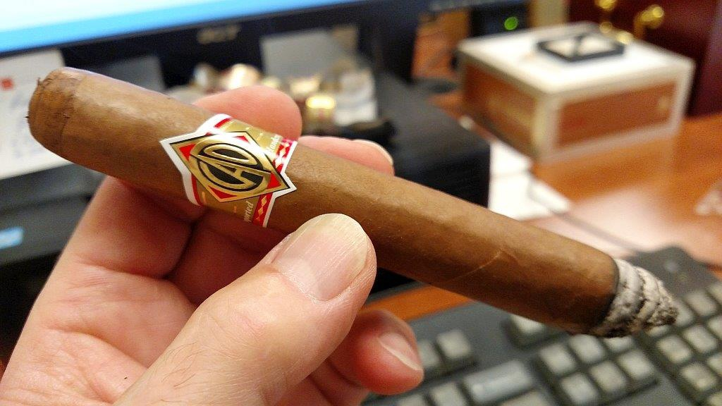 cao cigars guide cao gold corona gorda