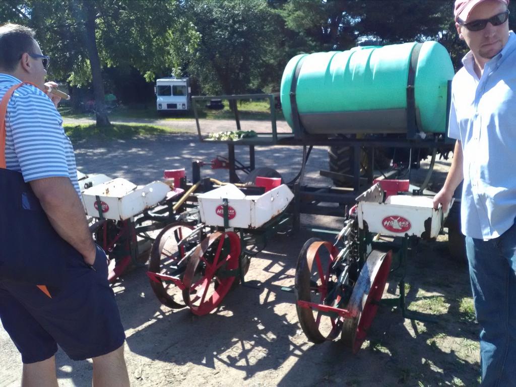 altadis broadleaf wrapper tour planting machine