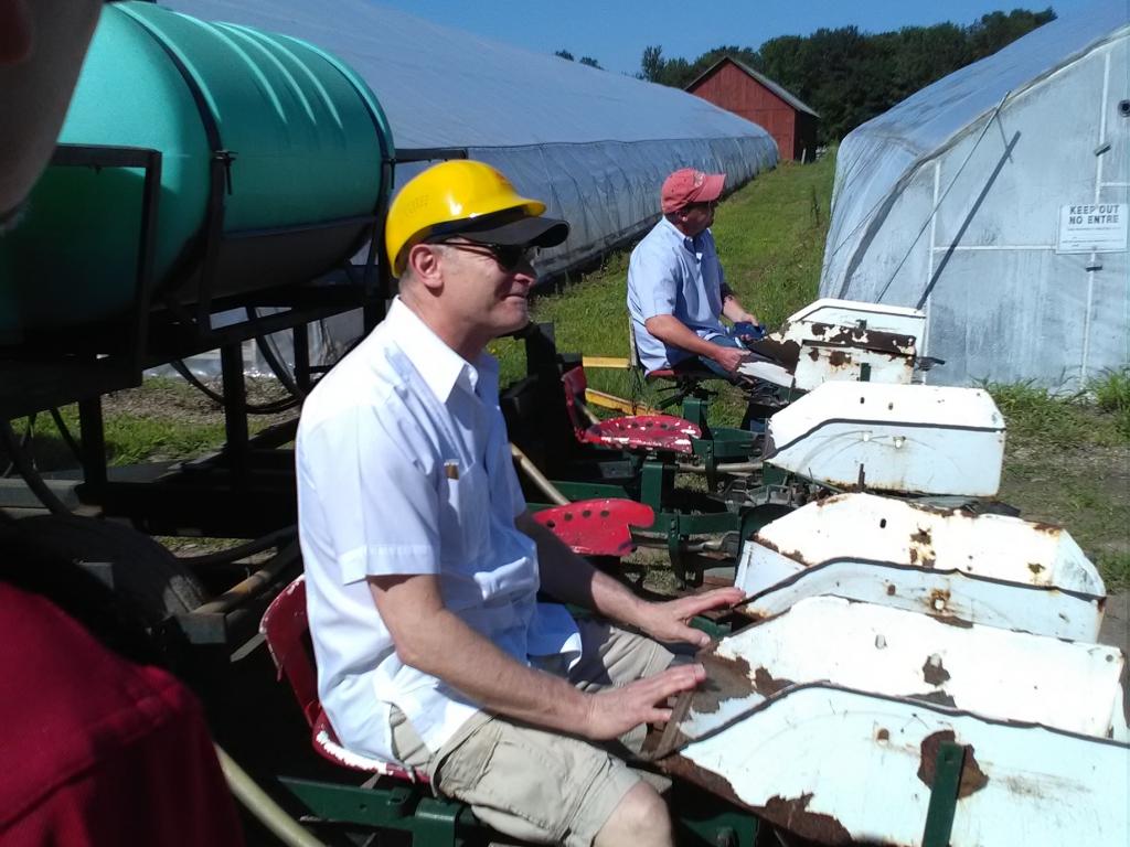 altadis broadleaf wrapper tour planting machine gary