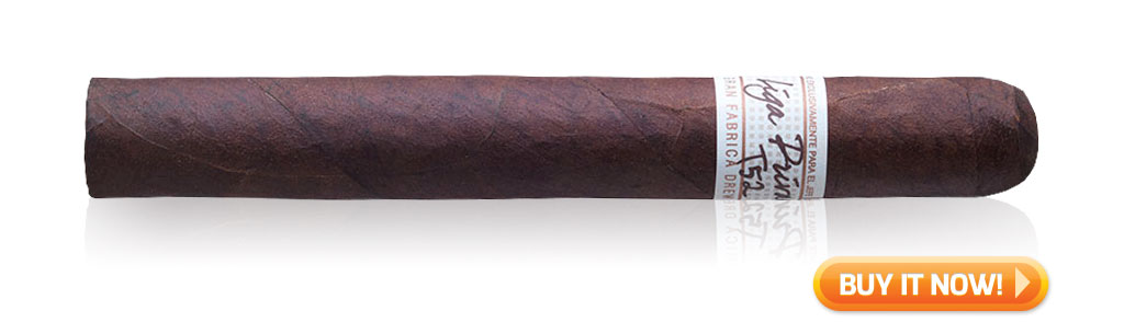 liga privada t52 new years eve celebration cigars