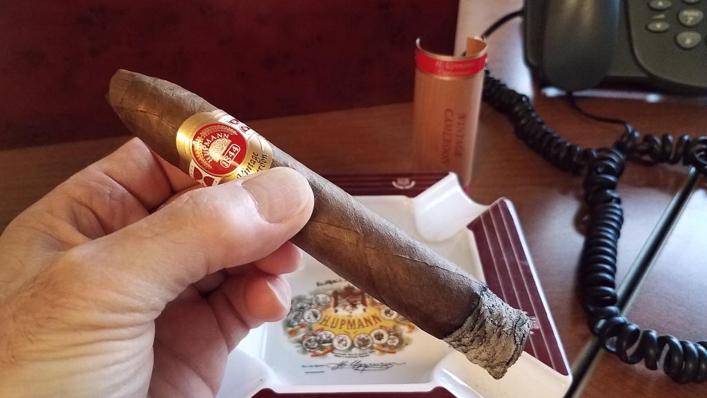 H. Upmann cigars guide H Upmann Vintage Cameroon cigar review GK