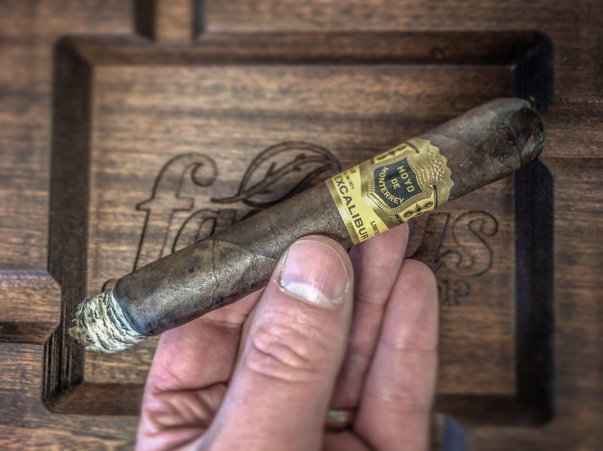 hoyo de monterrey cigars guide excalibur cigars hdm excalibur maduro cigar review by Jared Gulick