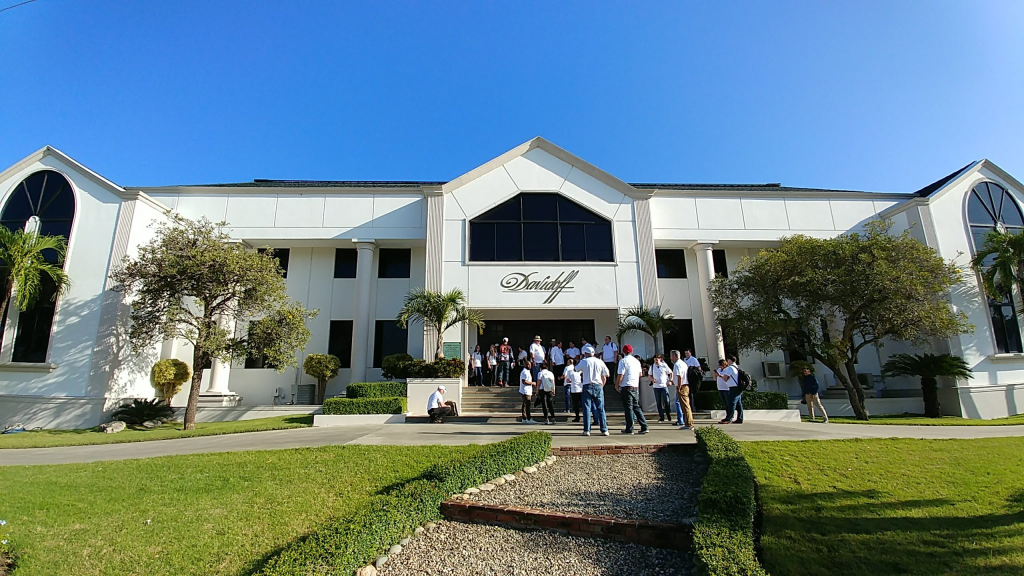 davidoff cigar factory