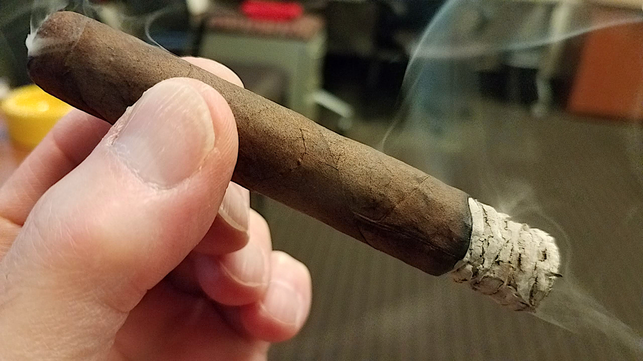 Liga Privada Cigars Guide Liga Privada Unico Papas Fritas cigar review by Gary Korb