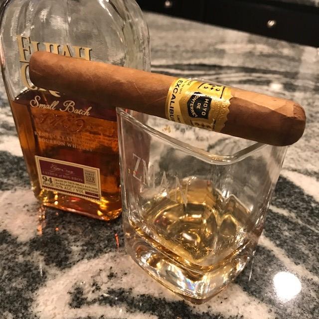 hoyo de monterrey excalibur cigar review tz