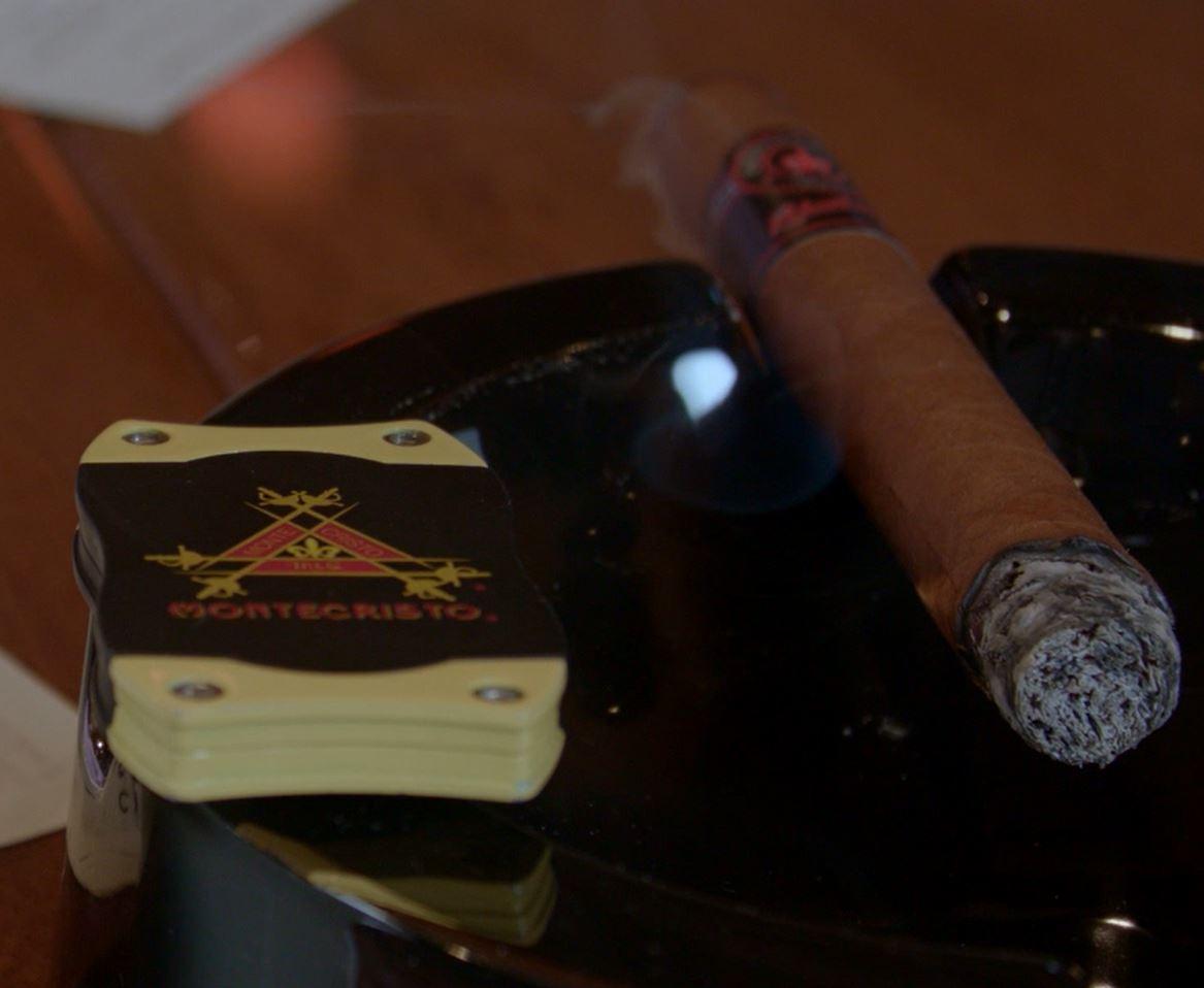 montecristo relentless cigar review video setup2
