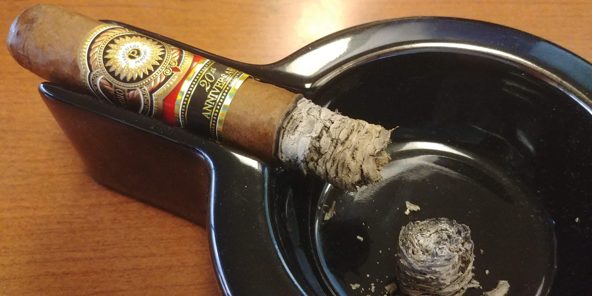 perdomo cigars guide perdomo 20th anniversary sun grown cigar review JP1