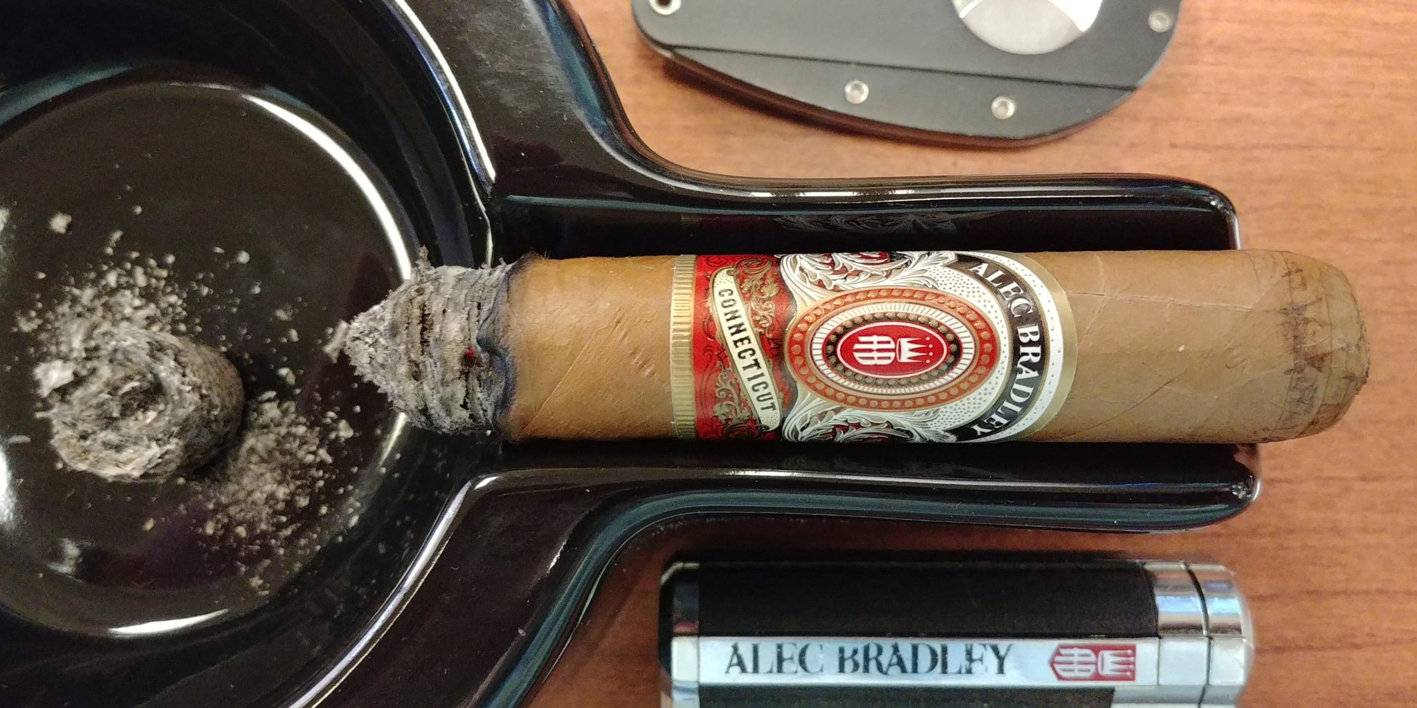 alec bradley cigars guide alec bradley connecticut robusto cigar review by John Pullo