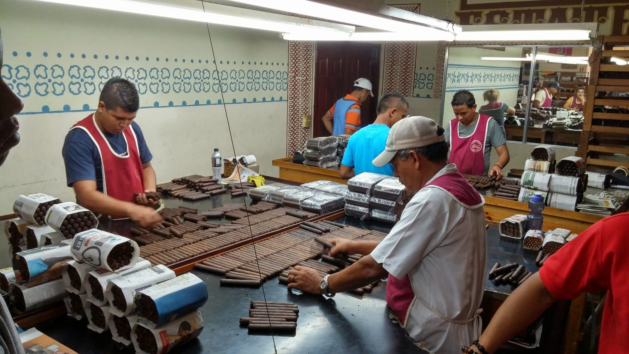 5 things you need to know about bundle cigars sorting cigars by color at Drew Estate
