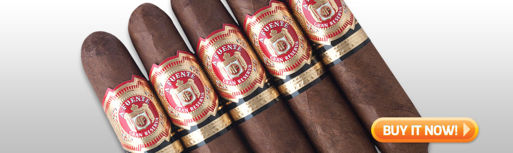 Father's Day Cigar Gift Ideas for Dad Under 100 Under 50 Arturo Fuente Hemingway Short Story cigars at Famous Smoke Shop