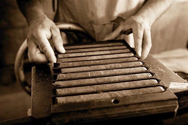 box pressed vs parejo cigars - how cigars are box pressed