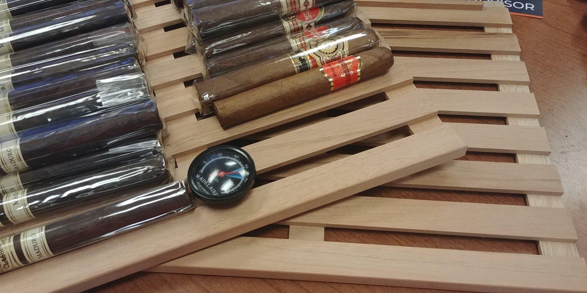 how to use a wineador newair cc-300h wineador review NewAir cigar Wineador shelves should be made of spanish cedar