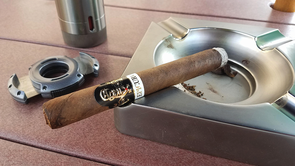 #nowsmoking crux epicure maduro cigar review by Gary Korb 1
