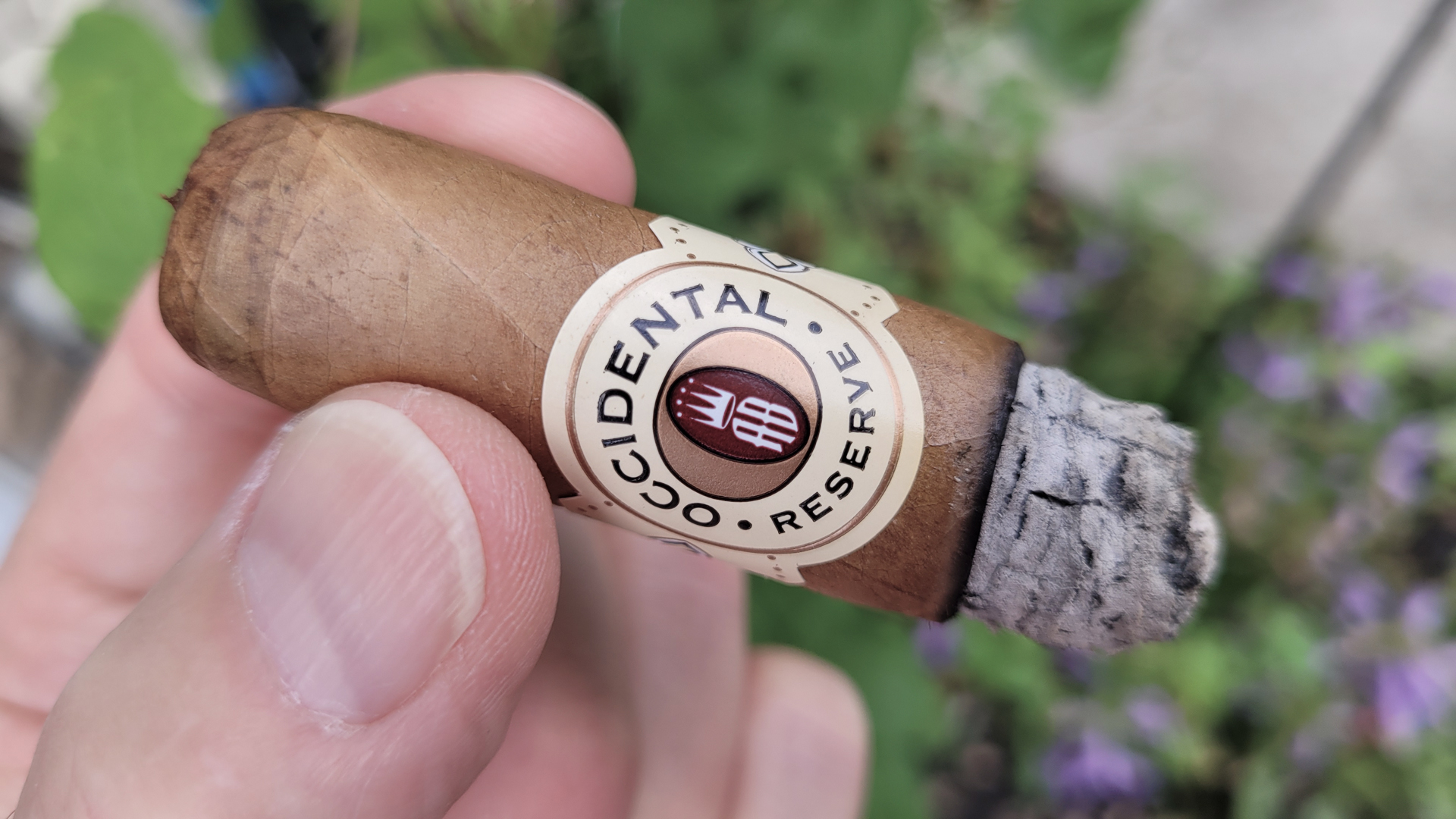 Alec Bradley Occidental Reserve Connecticut Robusto cigar nub