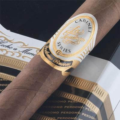 La Tradicion Perdomo Reserve Sun Grown Churchill Logo