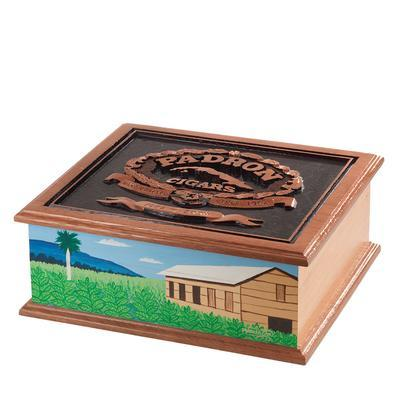 Padron 1926 40th Anniversary Hand Carved Cedar Chest-HU-PA6-40TH - 400